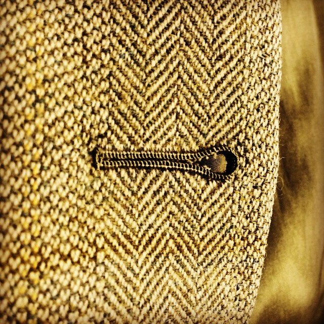 #buttonholes #handbuttonholes #bespoketailoring #tailor